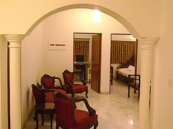 SERVICED APARTMENTS HOUSES VILLAS FARMS AT DELHI